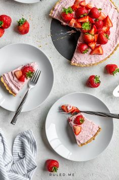 Sweet but keto-friendly, this strawberry cream pie is a scrumptious and light dessert! #ketopie #strawberrycreampie #strawberrydesserts #fruitdesserts Frozen Strawberries, Strawberries And Cream, Ketogenic Recipes, Low Carb Recipes, Ketogenic Diet, Strawberry Cream Pies, Strawberry Cheesecake, Healthy Dessert Recipes, Keto Desserts