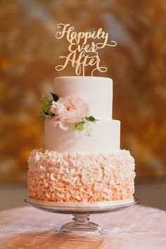 Wedding cake idea; Featured Photographer: Studio Finch Photography