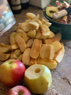 Amish Crock Pot Apple Butter - Krista Gilbert Old Fashioned Apple Butter Recipe, Canning Recipes, Crockpot Recipes, Apple Butter Canning, Apple Dessert Recipes, Homemade Applesauce, Jam And Jelly, Jelly Recipes, Amish