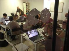 Gente que piensa. Taller Hootsuite en el Espacio de Coworking Colaborando. Alcalá de Guadaíra. Mayo 2014. Todo un éxito de asistencia