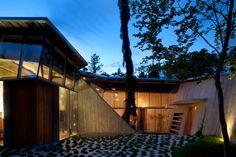 entrance / 23.2 house, white rock / via contemporist