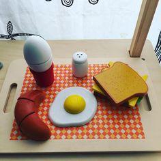 Breakfast #breakfast #goodmorning #kitchen #babyboy #mybabe #baby #toy #babytoys #woodentoys #eggs #kids #kid #children #instababy #instagood #photooftheday #instaphoto #toys #toyphotography #croissant #instadaily @ninoserafino #instalove #instakids