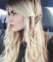 Survive Spring Showers: 20 Easy Hairdos That Will Transform Your Morning Routine via Brit Co. - Looking for Hair Extensions to refresh your hair look instantly? focus on offering premium quality remy clip in hair. Spring Hairstyles, Pretty Hairstyles, Braided Hairstyles, Quick Hairstyles, Wedding Hairstyles, Hairstyles Haircuts, Hairstyle Ideas, Loose Hairstyle, Teenage Hairstyles