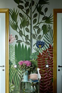 Vintage Home Decor For More Traditional Interior Design – BusyAtHome Vintage Interior Design, Interior Design Magazine, Interior Design Kitchen, Vintage Home Decor, Interior Decorating, Kitchen Decor, Cafe Interior, Kitchen Layout, Tropical Interior