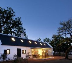 Babylonstoren Boutique Hotel, restaurant and farm sits on 200 acres of remarkable, organic farmlands, orchards, formal vegetable gardens and vineyards. Marfa Lights, Farm Stay, Outdoor Swimming Pool, Old Farm, Wooden Diy, The Guardian, Boutique, Mansions, Architecture