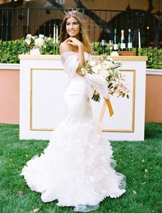 A princess bride in Vera Wang. Gown available at The Bridal Salon at Neiman Marcus. Styling by Lindsey Zamora. Bouquet by We + You. Bar from Fauxcades. Photo by Ben Q. Photography. #wedding #gownshoot #styledshoot #bridalgown #weddingdress #verawang
