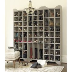 Fabulous shoe and purse storage: Yes, please!