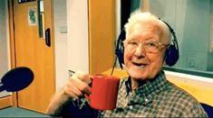 Radialista convida para café ouvinte de 95 anos que ligou dizendo se sentir sozinho - Blue Bus