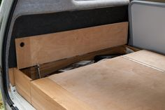 T25 storage under raised rock and roll bed