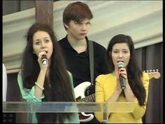 """Церковь """"Вифания""""  Москва. Прославление - Как глубока Твоя любовь."""