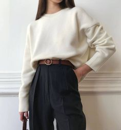 Image uploaded by 𝒇𝒂𝒕𝒐𝒐𝒎𝒂. Find images and videos about fashion, style and beauty on We Heart It - the app to get lost in what you love. Look Fashion, Korean Fashion, Fashion Outfits, Travel Outfits, Classy Fashion, Vacation Outfits, Hijab Fashion, Fashion Fashion, Fashion Tips