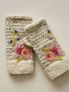 Fingerless Gloves Knitted, Knitted Shawls, Crochet Hats, Floral Gloves, Knitting Daily, Heirloom Roses, Rose Embroidery, Embroidery Motifs, Knit Patterns