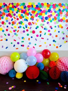 Take your party to the next level with this easy-to-make Homemade Confetti Backdrop! Full picture tutorial available by MichaelsMakers Lindi Haws of Love The Day.