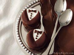 Mini White Chocolate Tuxedo Cheesecake_BakersRoyale_FGWM