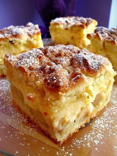 Apple pie with pudding Kitchen lessons Dessert Drinks, Dessert Bars, Christmas Appetizers, Apple Pie, Sweet Recipes, French Toast, Muffin, Menu, Pudding