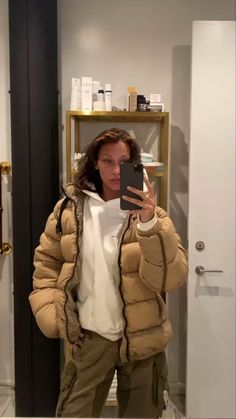 Bella Hadid Outfits, Bella Hadid Style, Mode Outfits, Fashion Outfits, Looks Style, My Style, Estilo Cool, Winter Fits, Mode Inspiration