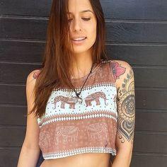 •●♡●• USE STO.DAIME •●♡●• Cropped ➡ R$ 49.00 ⚠SITE⚠ Colar ➡ R$19.00 ⚠ por INBOX⚠  www.stodaimestore.com.br  facebook/stodaimecamisetas #LOVESTODAIME  #hippielife #peace #psychedelic #goodvibes #reggae #style #peaceandlove #indian #cannabis #boho #bohostyle #hippie #hippiechic #surf #surfstyle #beach #soul #gypsy #sun #summer #tattoo #ethnic #tee #tshirt #brown #beautiful #elefante  #green #elephant