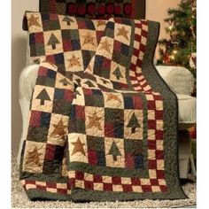 Christmas Quilts #HandiQuilter  Love the country colors in this quilt.