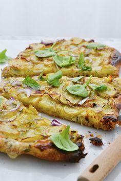 Simple comme une pizza aux pommes de terre Pizza Au Levain, Vegetable Pizza, Quiche, Comme, Potatoes, Cheese, Vegetables, Breakfast, Simple