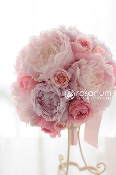 ロザリウム(Rosarium) まるで砂糖菓子のようなシュガーピンクのブーケ