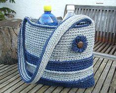 Arachnea / Háčkovaná taška z tričkovlny Bucket Bag, Crochet, Bags, Fashion, Handbags, Moda, Fashion Styles, Taschen, Knit Crochet