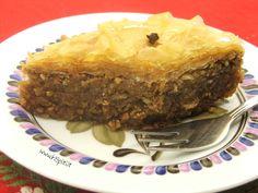 La ricetta del Baklavas greco. Il dolce, molto dolce, di natale tipico greco. Semplice da preparare, ideale per chi ama i sapori orientali.
