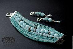 Beaded Jewelry Patterns, Handmade Jewelry Designs, Pink Necklace, Diy Earrings, Bijoux Diy, Stone Bracelet, Jewelry Bracelets, Jewelry Making, Pen Art