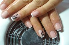 Thin tip for short nails! very pretty!