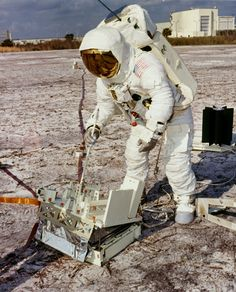 Apollo 13 astronauts Jim Lovell and Fred Haise during training at Cape Canaveral, 1970. (NASA)