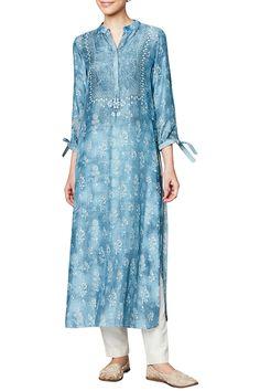 Shop Anita Dongre Powder blue muslin kurta , Exclusive Indian Designer Latest Collections Available at Aza Fashions Kurti Patterns, Dress Patterns, Salwar Designs, Blouse Designs, Indian Wedding Outfits, Indian Outfits, Pakistani Dresses, Indian Dresses, Ethnic Fashion