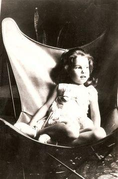 B.K.F. Fotografía de Antonio Bonet a su hija,Barcelona,1961