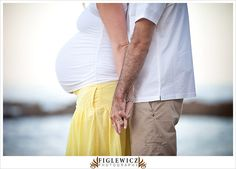 #Maternity #photo.  Torsos, beach.