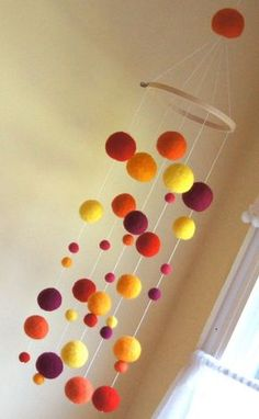 Great for the college dorm, felted ball mobile - lovely - would like in multicoloured too maybe! Pom Pom Crafts, Felt Crafts, Diy And Crafts, Craft Projects, Crafts For Kids, Creation Deco, Felt Ball, Needle Felting, Crafty