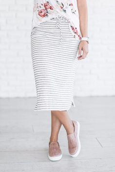 Stripe mid length skirt. Elastic & Drawstring Waist. Light weight. May need a slip. See Jessa's sizing HERE, she is wearing size Small