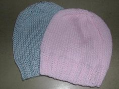 FREE - great newborn hat, pattern for worsted weight/US 6 needles OR for DK weight/US 5 needles.
