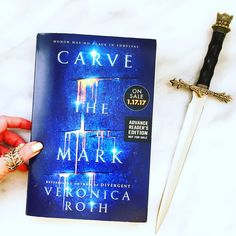 Carve the Mark by Veronica Roth: if you liked DIVERGENT, you'll like this.  #carvethemark #epicreads #veronicaroth #yalit #sponsored