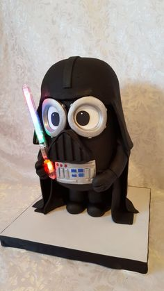 Minion Darth Vader Cake - Cake by Sabrina Antinucci Minion Birthday, Star Wars Birthday, Star Wars Cake, Star Wars Party, Fancy Cakes, Cute Cakes, Pastel Minion, Despicable Me Cake, Minion Cakes