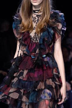 Elie Saab Fall/Winter 2016 ONE DAY I WILL OWN A PIECE BY ELIE ❤️