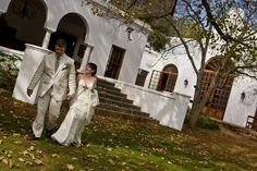 KLEINKAAP | Centurion | Inspired by the fairest Cape, Kleinkaap lies amidst lush majestic oak trees in natural free flowing indigenous gardens. Kleinkaap, with its classic Cape Dutch style offers a picture perfect wedding. Unique Wedding Venues, Our Wedding, Wedding Ideas, Cape Dutch, Oak Tree, Perfect Wedding, Lush, Trees, Gardens