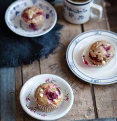 Chocolate cinnamon madeleine cakes - Trois fois par jour Types Of Desserts, No Bake Desserts, Vegan Desserts, Pizza Dessert, Dessert Drinks, Dessert Ideas, Raspberry And White Chocolate Muffins, Raspberry Muffins, Macarons