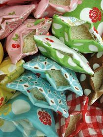 Very Cool - Hot/Cold Packs Tutorial. The nice thing about these hand warmers is that they work for cold packs too if you put them in the freezer first. headaches and owies are quickly soothed by using one or two of these little cuties! Diy Projects To Try, Craft Projects, Children Projects, Simple Projects, Fabric Crafts, Sewing Crafts, Scrap Fabric Projects, Diy Sewing Projects, Hot Cold Packs