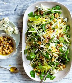 Apple, celery, Roquefort salad with roasted hazelnut-raisin dressing - To the classic combination of apple, blue cheese and hazelnuts we've added celery and celeriac fo - Vegetarian Recipes, Cooking Recipes, Healthy Recipes, Vitamix Recipes, Apple Recipes, Grilling Recipes, Healthy Salads, Healthy Eating, Gourmet Salad