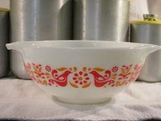 Pyrex 443 2 1/2  Quart Friendship Mixing Bowl by thetrendykitchen, $29.95