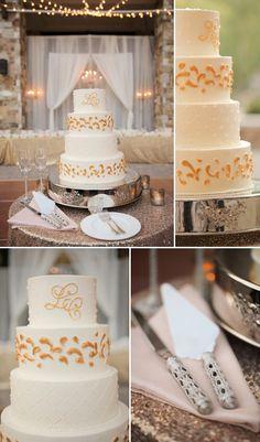 Hochzeitstorte in Weiß und Gold. Fotos: © Pepper Nix Photography
