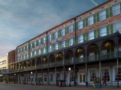 "The Marshall House in Savannah made USAToday's ""Most haunted spots in the USA"" list!"