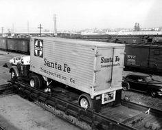Atchison, Topeka & Santa Fe Railway Company's piggyback trailer - Page