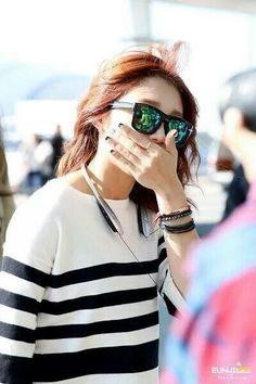 Jung Eun-ji Airport Fashion, Airport Style, Eun Ji, Panda Love, Sunglasses Women, Ray Bans, Celebrity Style, Celebrities, Womens Fashion