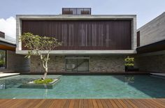 Image 19 of 23 from gallery of World Architecture Festival Awards 2013 shortlist announced. / ONG&ONG Pte Ltd / © Aaron Pocock Minimalist Architecture, Interior Architecture, Amazing Architecture, Interior Design, World Architecture Festival, Property Design, Storey Homes, Beautiful Pools, Cool Pools