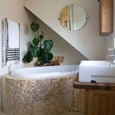 Einrichtungen Wohnideen Badezimmer Mosaikfliesen beige Foto - David Hiscock