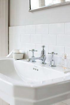 Burlington Edwardian basin with 3 tap holes